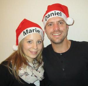 Paar-mit-Weihnachtsmütze